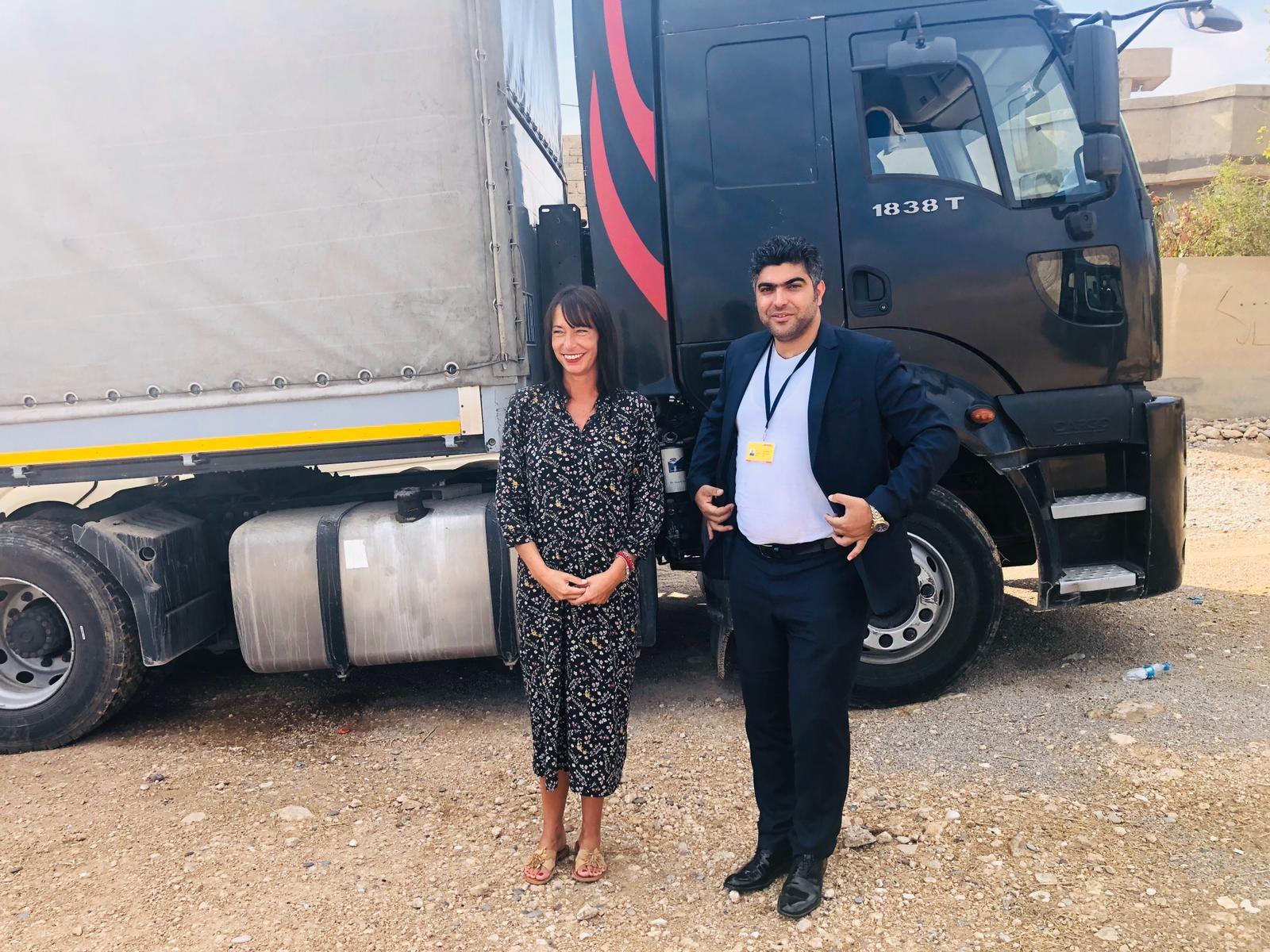 Katharina mit Mahdi, dem DHL Verantwortlichen aus Erbil