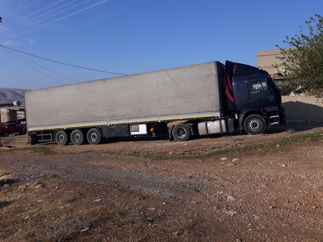 Der Truck vor der Schule nach langer Reise